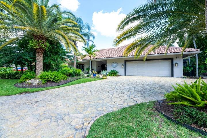 1 Alston Road, Palm Beach Gardens, FL 33418