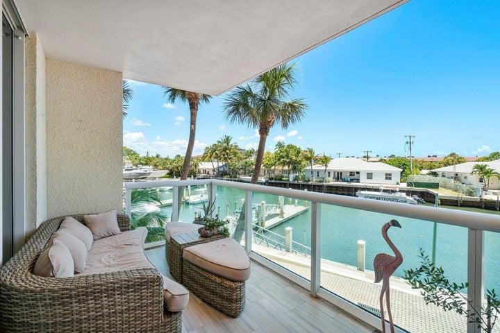 2650 Lake Shore Drive, 201, Riviera Beach, FL 33404