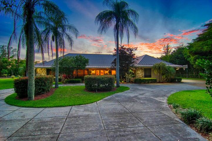 5564 Whirlaway Road, Palm Beach Gardens, FL 33418