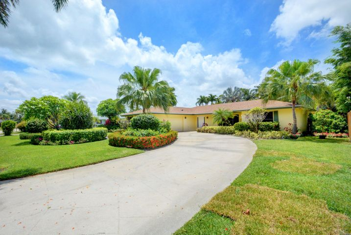 327 Sandpiper Avenue, Royal Palm Beach, FL 33411