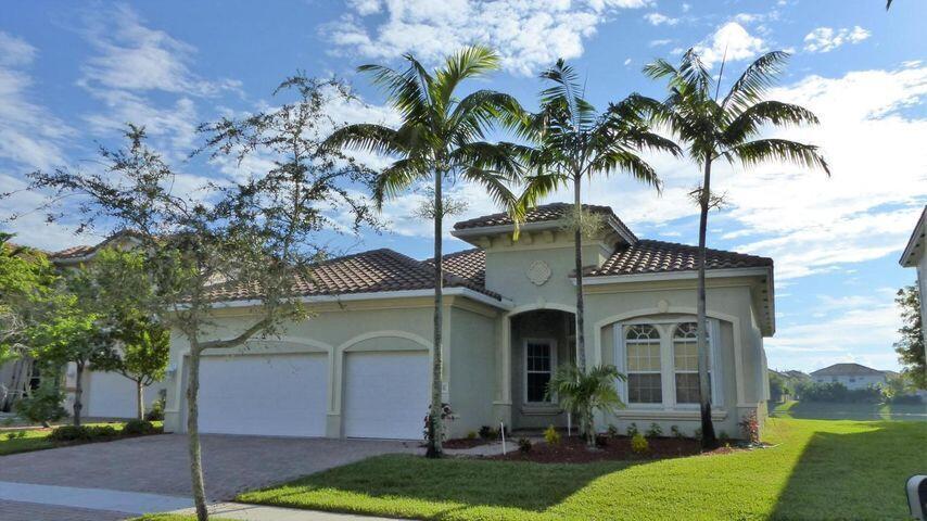688 Cresta Circle, West Palm Beach, FL 33413