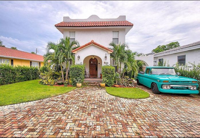 626 N Palmway, Lake Worth Beach, FL 33460