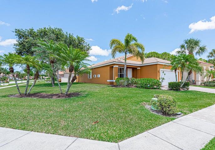 8237 Bellafiore Way, Boynton Beach, FL 33472