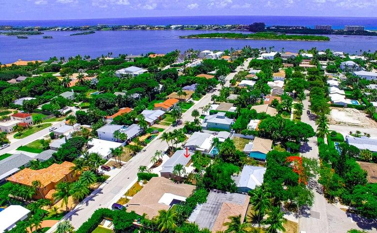 138 Gregory Place, West Palm Beach, FL 33405