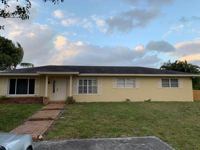 7086 Lawrence Road, Boynton Beach, FL 33436
