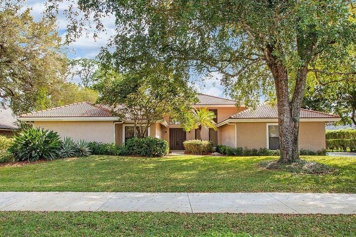 1744 W Breakers West Boulevard W, West Palm Beach, FL 33411