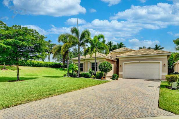 9867 Bluefield Drive, Boynton Beach, FL 33473