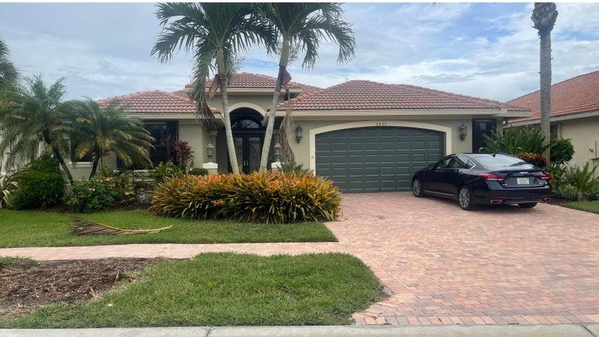 6897 Caviro Lane, Boynton Beach, FL 33437