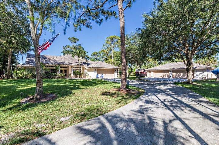 13358 Fox Croft Lane, Palm Beach Gardens, FL 33418
