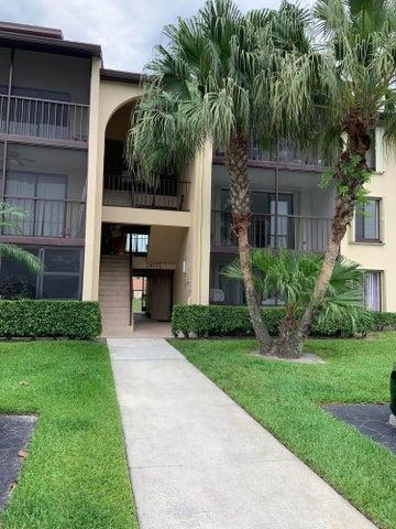 617 Sea Pine Way, D2, Greenacres, FL 33415