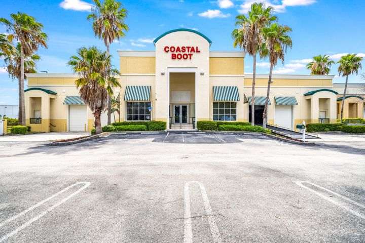 2821 Center Port Circle, Pompano Beach, FL 33064