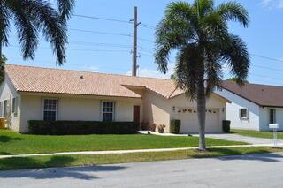 2360 W Lake Miramar Circle, Miramar, FL 33025