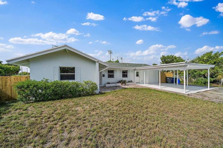 638 Date Palm Drive, Lake Park, FL 33403