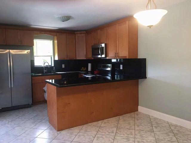 7705 Courtyard W, Boca Raton, FL 33433