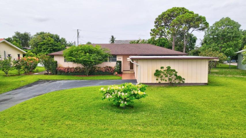 1806 Barbados Road, Lake Clarke Shores, FL 33406