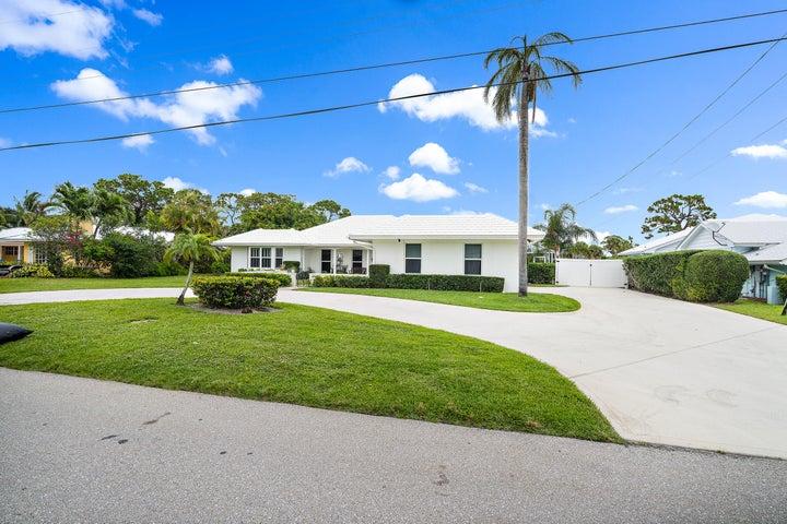 82 Golfview Drive, Jupiter, FL 33469