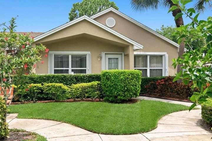 607 NW San Remo Circle, Saint Lucie West, FL 34986