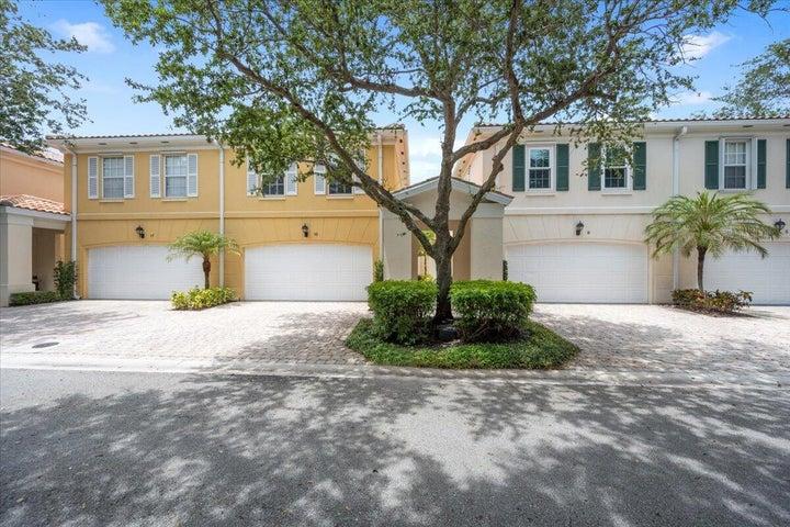 13 Oakleaf Court, Tequesta, FL 33469