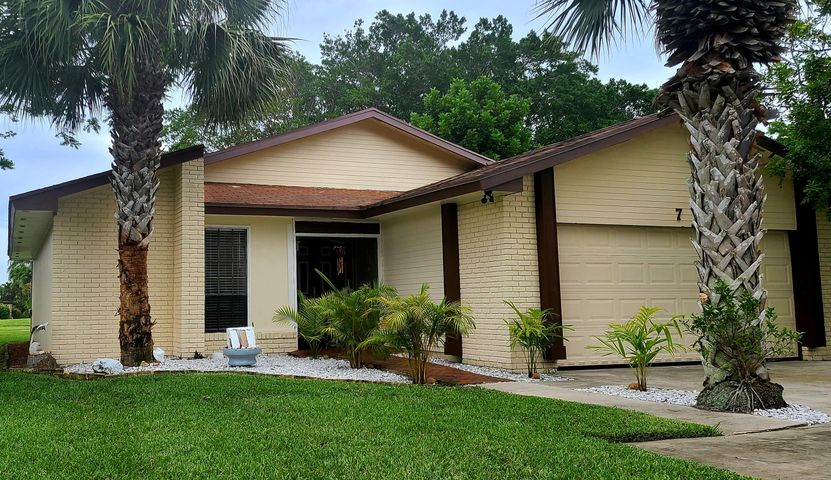 7 Danby Place, Boynton Beach, FL 33426