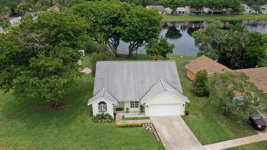 1801 Stonehaven Drive, Boynton Beach, FL 33436