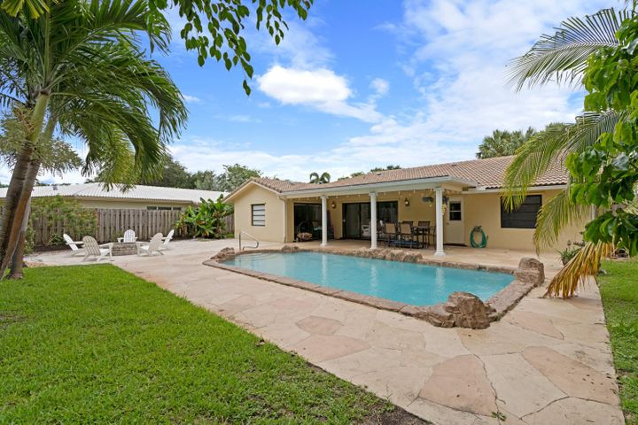 811 NW 84th Drive, Coral Springs, FL 33071