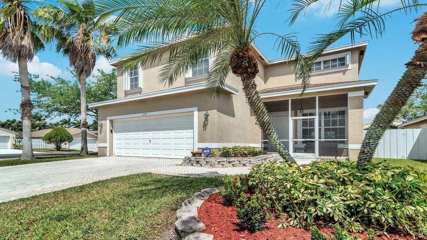 1719 Sawgrass Circle, Greenacres, FL 33413