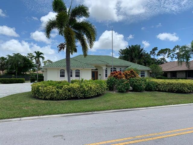 454 S Country Club Drive, Atlantis, FL 33462