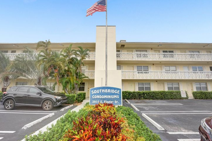 3915 S Flagler Drive Drive, 109, West Palm Beach, FL 33405