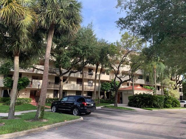 2907 Carambola Circle S, 403, Coconut Creek, FL 33066