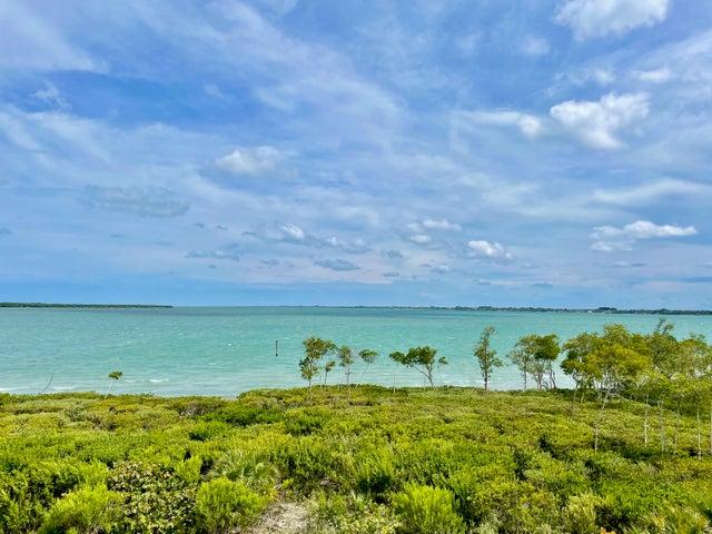 27 Harbour Isle Drive W, 302, Fort Pierce, FL 34949