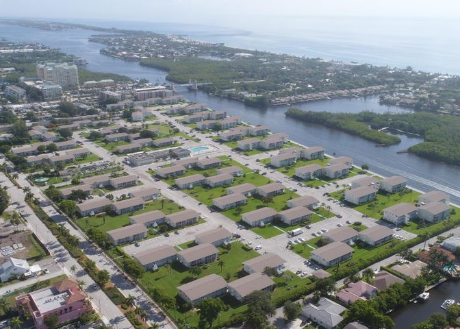 650 Horizons E, 305, Boynton Beach, FL 33435