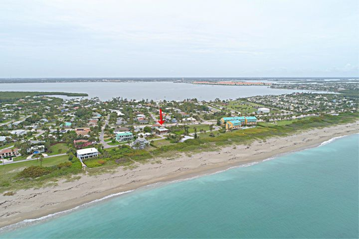 1611 Surfside Drive, Fort Pierce, FL 34949