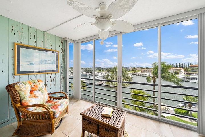 29 Yacht Club Drive, 407, North Palm Beach, FL 33408