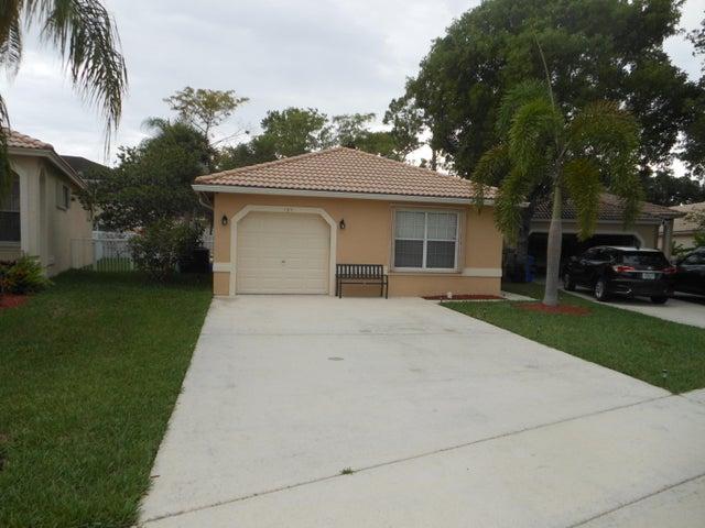121 Prestige Drive, Royal Palm Beach, FL 33411