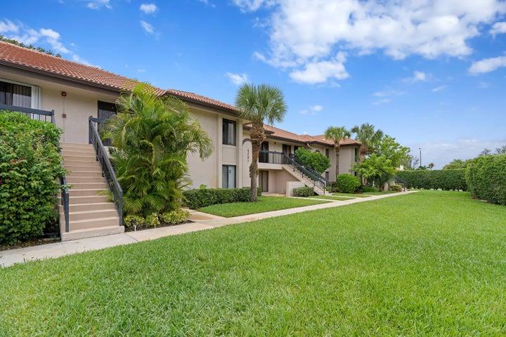 5201 W Club Circle, 203, Boca Raton, FL 33487