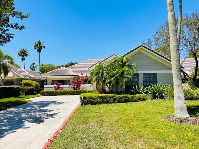 145 Coventry Place, Palm Beach Gardens, FL 33418