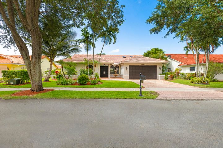 2560 NW 40th Street, Boca Raton, FL 33434