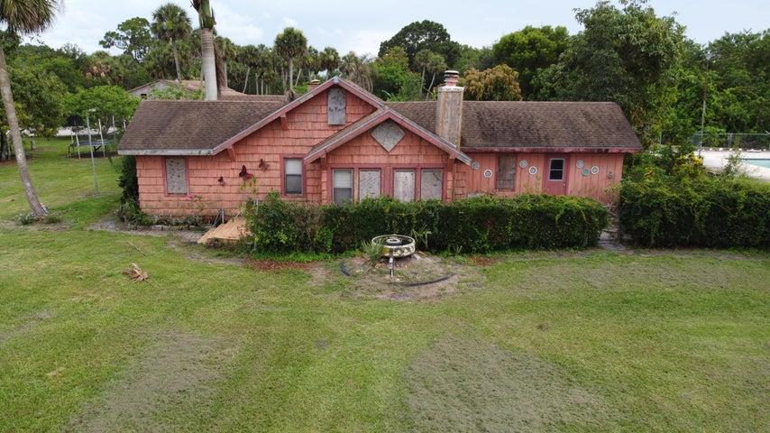 14601 Orange Avenue, Fort Pierce, FL 34945