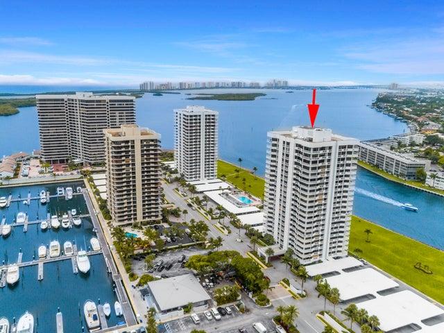 Aerial of 123 Lakeshore
