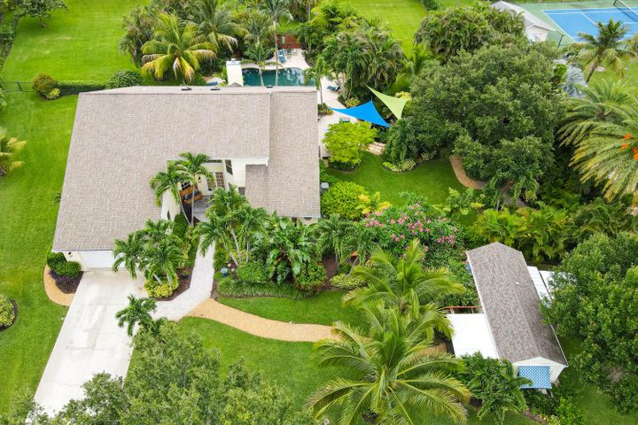 5255 Travelers Way, Palm Beach Gardens, FL 33418