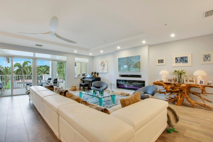 305 E Ocean Avenue, Th-5, Lantana, FL 33462
