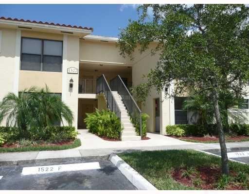 1522 Lake Crystal Drive, H, West Palm Beach, FL 33411