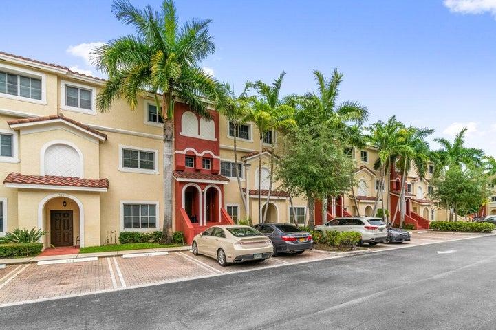 523 Bayfront Drive, Boynton Beach, FL 33435