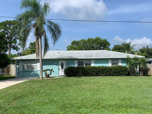 2300 NE 13th Court, Jensen Beach, FL 34957