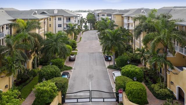 3960 N Flagler Drive, 305, West Palm Beach, FL 33407