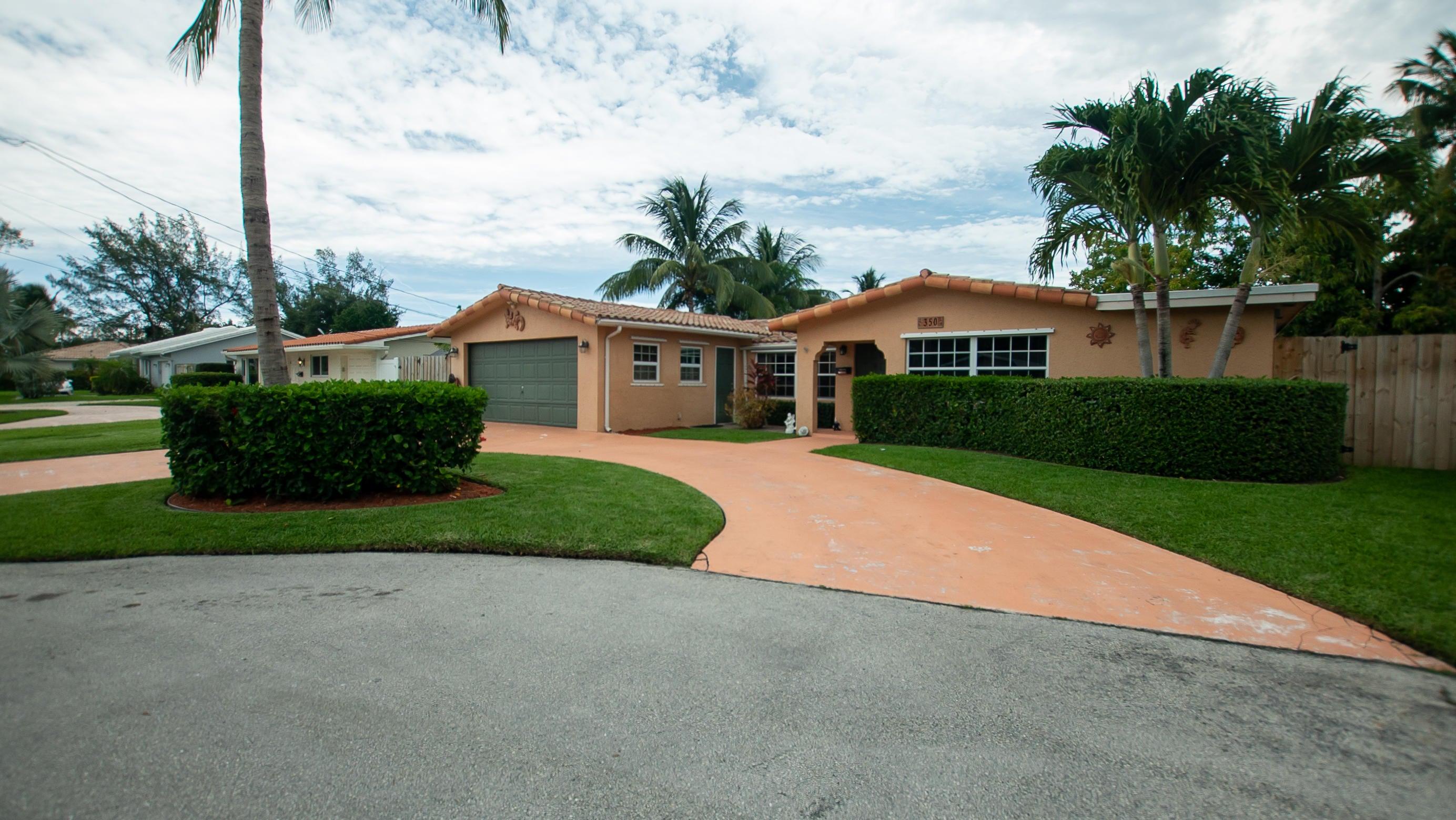 350 SW 14th Place, Boca Raton, FL 33432