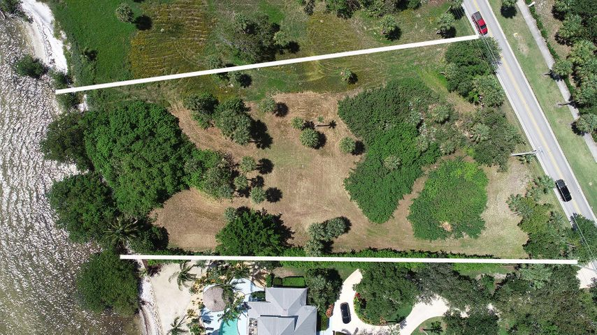 122 N Sewalls Point Road, Sewalls Point, FL 34996