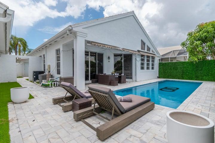 1040 Lytham Court, West Palm Beach, FL 33411
