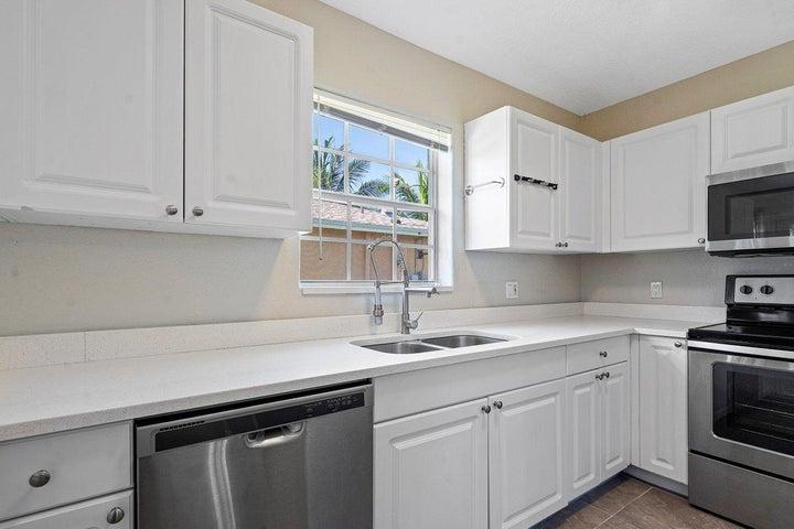 102 SW 13th Avenue, Delray Beach, FL 33444