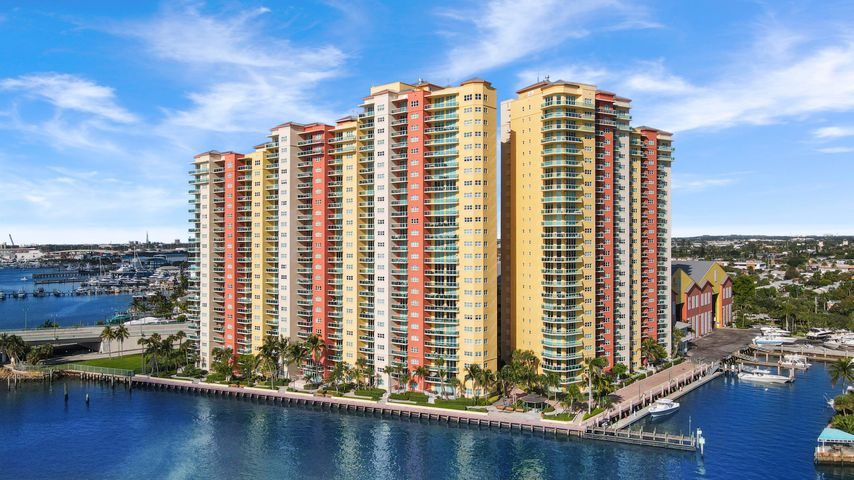 2650 Lake Shore Drive, 405, Riviera Beach, FL 33404